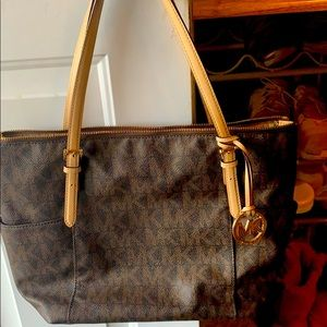 Michael Kors medium tote !!! 👜
